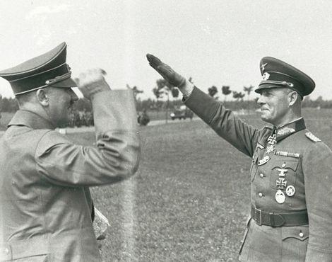 Erwin Rommel und Adolf Hitler_2. Juni 1940 im Stabsquartier der Heeresgruppe A in Charleville