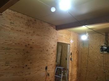 新規間仕切り壁