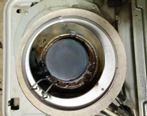 石油ファンヒーター燃焼皿