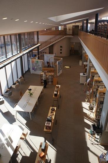 瀬戸内市民図書館01