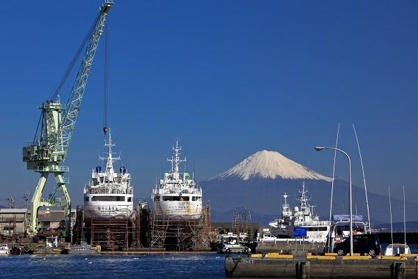 冬の焼津からの富士山