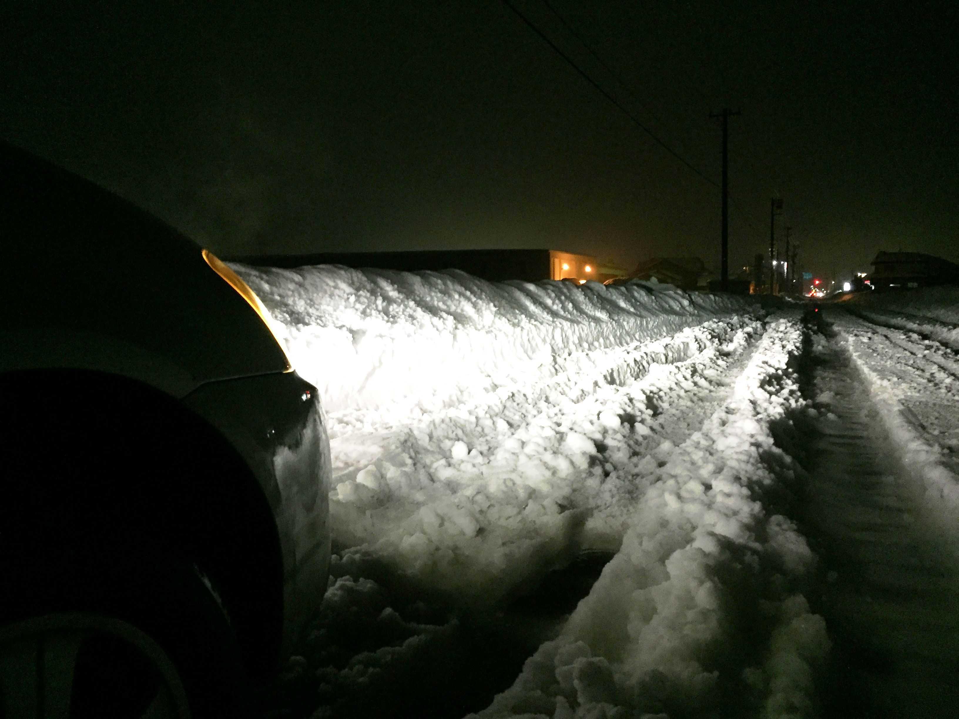 20180210_福井大雪 昭和56豪雪に匹敵する大雪 車スリップ立ち往生02