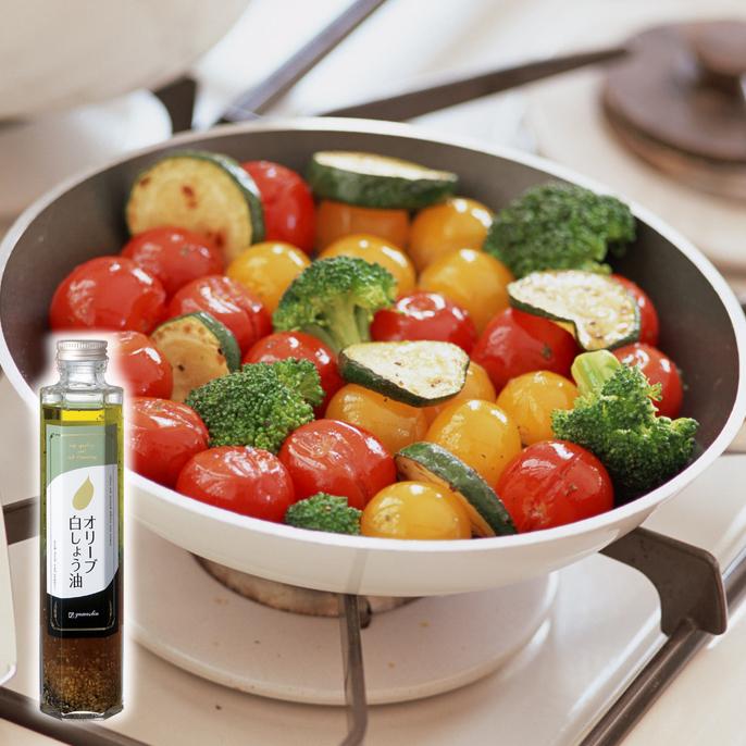 色で楽しむミニトマトとズッキーニ炒め1