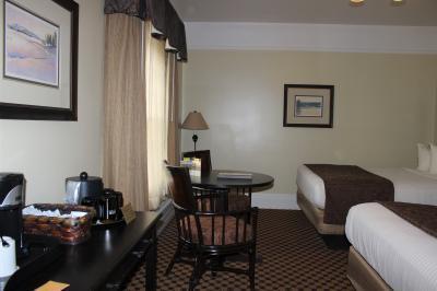 Lake hotel 5