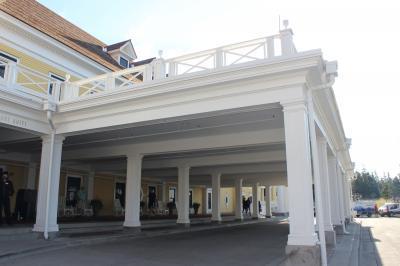 Lake hotel 2