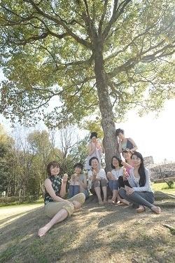 公園樹の下