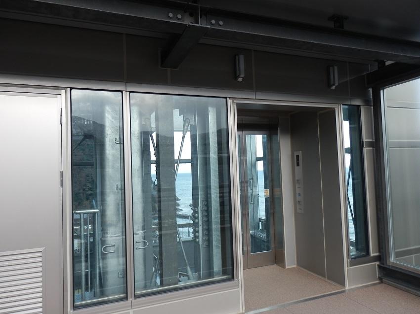 クリスタルタワー 空の駅 エレベーターホール