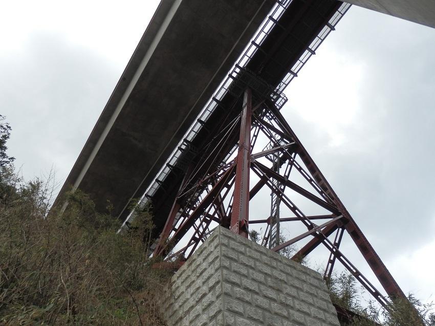 新橋梁と旧橋梁
