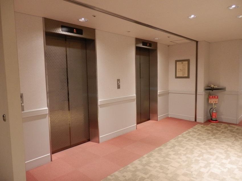 メインエレベーター