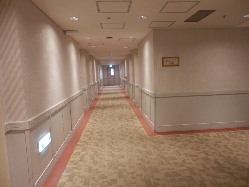客室階廊下。