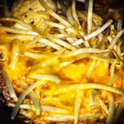 豚肉の旨みが絶品!な卵とじレシピ「豚肉の半熟卵煮」