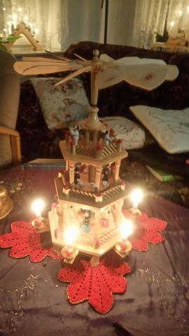 我が家のクリスマスピラミッド
