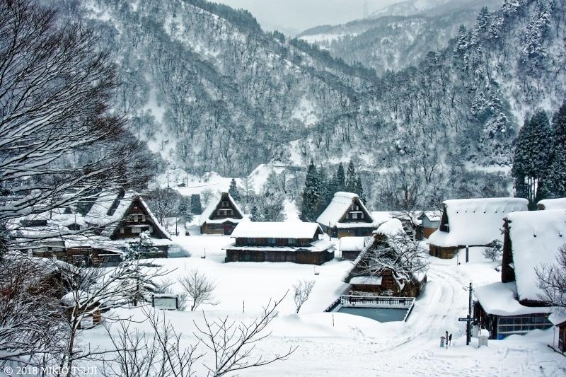 絶景探しの旅 - 0454 雪の五箇山菅沼合掌作り集落 (富山県 南砺市)