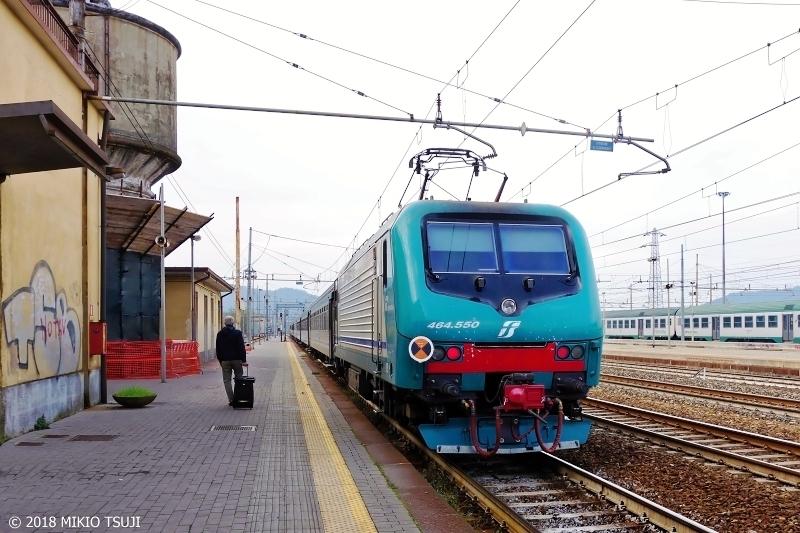 絶景探しの旅 - 0464 イタリアの田舎町の駅に降り立つ (アルクアータ・スクリーヴィア駅 イタリア アレッサンドリア)