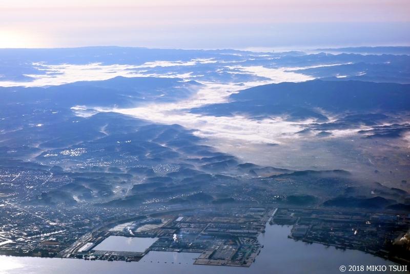 絶景探しの旅 - 0471 雲海のような濃霧にすっぽりと覆われる街 (千葉県 君津市)