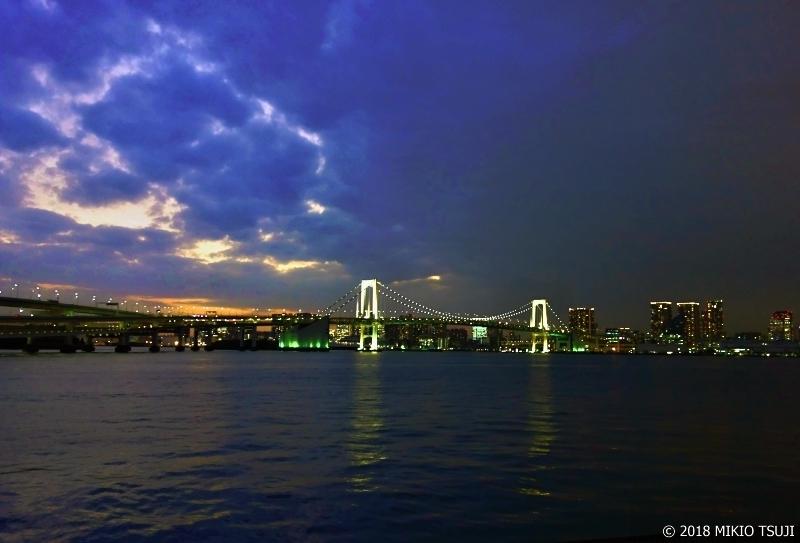 絶景探しの旅 - 0476 雷が落ちたような眺めのレインボーブリッジ (東京都 江東区)