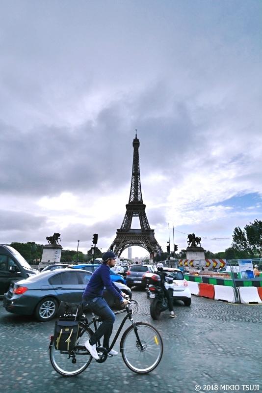絶景探しの旅 - 0484 エッフェル塔と隠れフランス国旗 (フランス パリ)